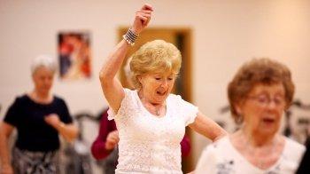 Cómo tratar los síntomas de Parkinson de forma natural: el método girocinético
